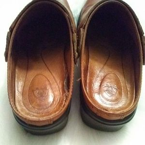 Ariat Shoes - Ariat clogs style 93821 sz 6.5B